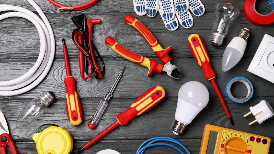 6 Tips for Hiring the Best Residential Electrician in 2020 That You Don't Know
